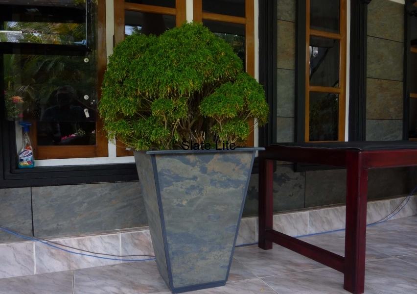 080 Sri Lanke Vase 1.JPG