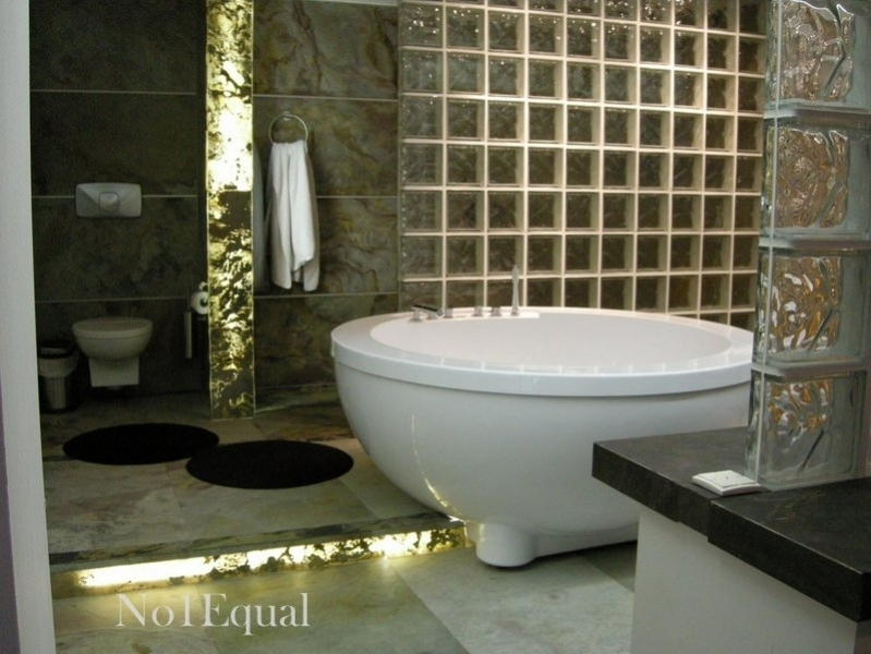 indoor-bathroom-it